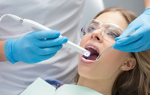 Patient receiving intraoral photos